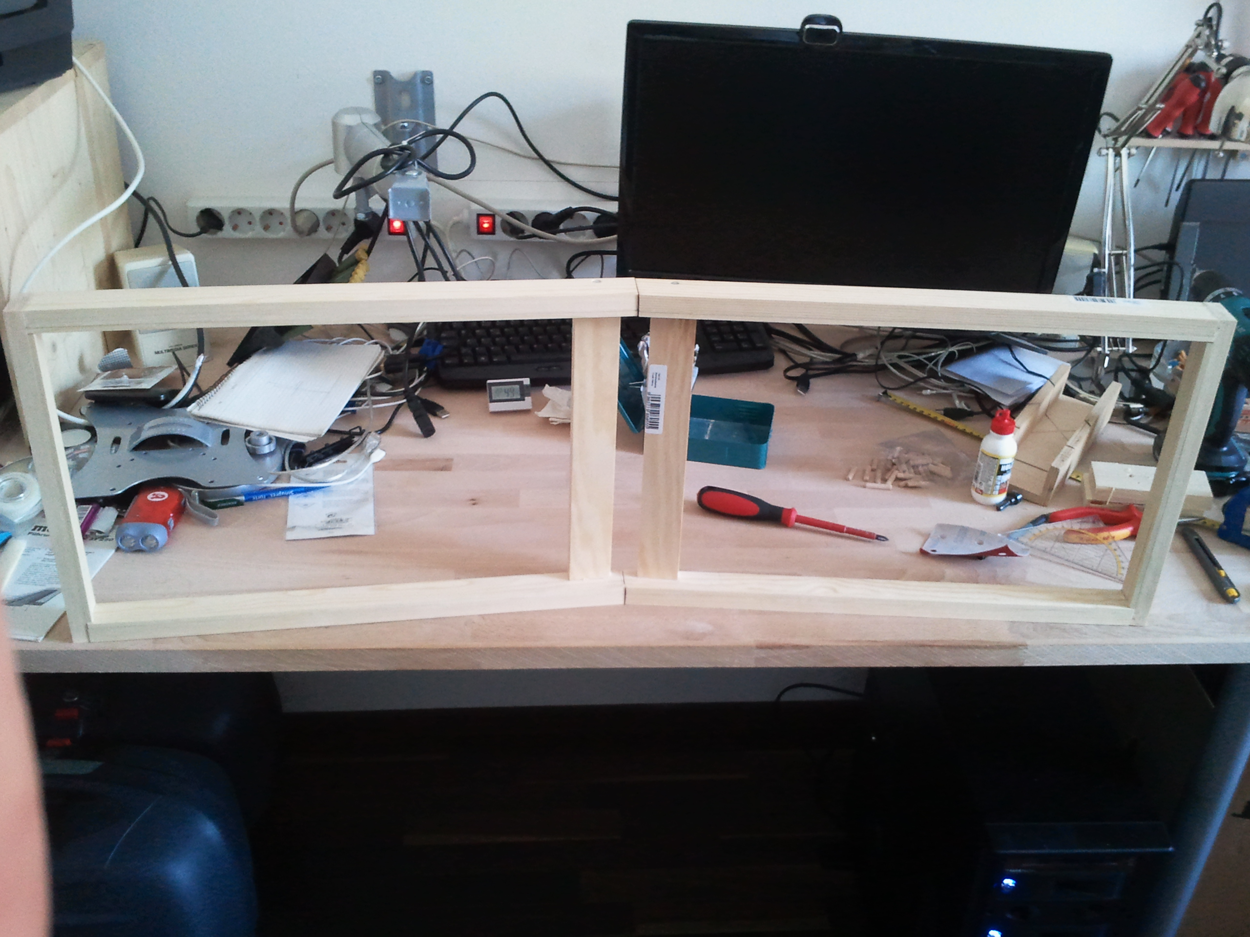 Diy Dual Screen Monitorhalter Der Blog Auf Tn Genano De